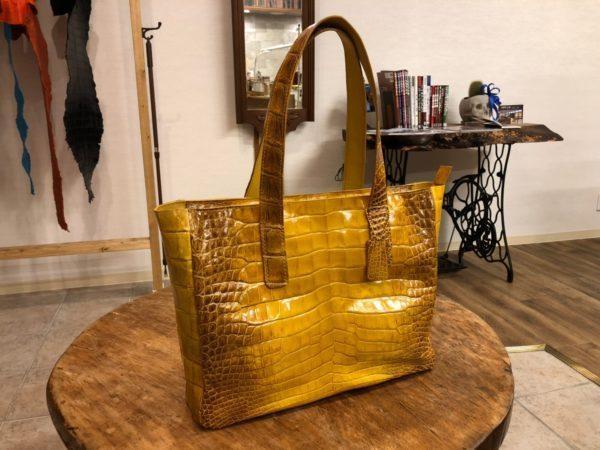 バッグ、財布などクロコダイルのオーダーメイドも承っています。